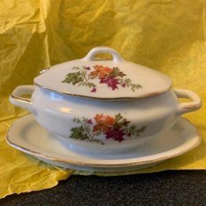 Vintage Royal Crown 1446N Floral Leaf Sugar Bowl